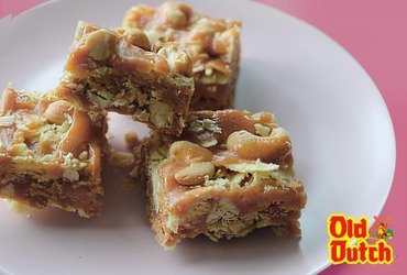 Old Dutch Caramel Cashew Bars